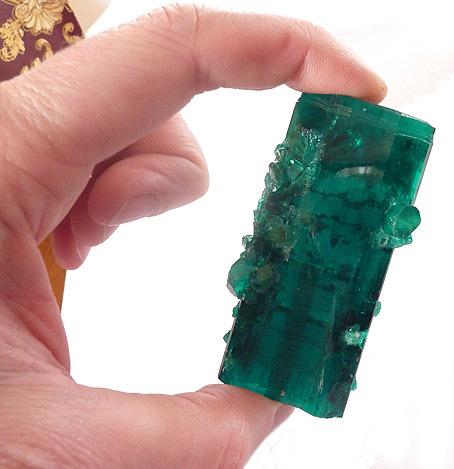 cristal brut émeraude Gilson 435 cts